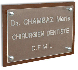 Plaque professionnel  plexi transparent + support plexi fumé